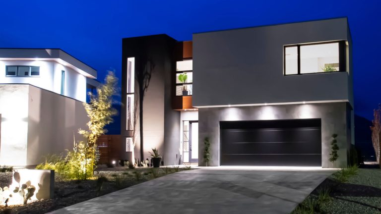 Past Project - Penticton Luxury Home Facade